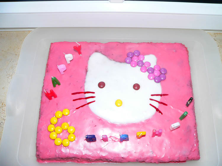 Kinder - Hello-Kitty-Kuchen